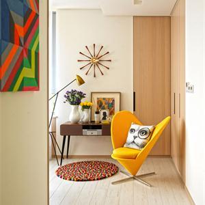大面積運用簡單色彩的室內搭配