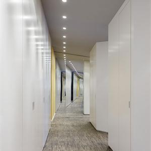 140平新现代格走廊装修效果图