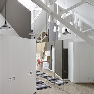 現代簡約三居臥室衣柜裝修效果圖