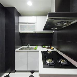 現代簡約兩居廚房裝修效果圖