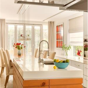 开放式别墅日式风格厨房装修效果图