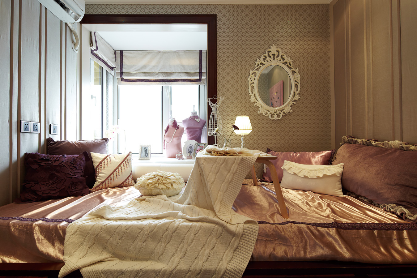 欧式别墅装修卧室榻榻米布置图