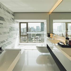 现代风格四居卫生间装修效果图