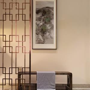中式风装修客厅大门一角