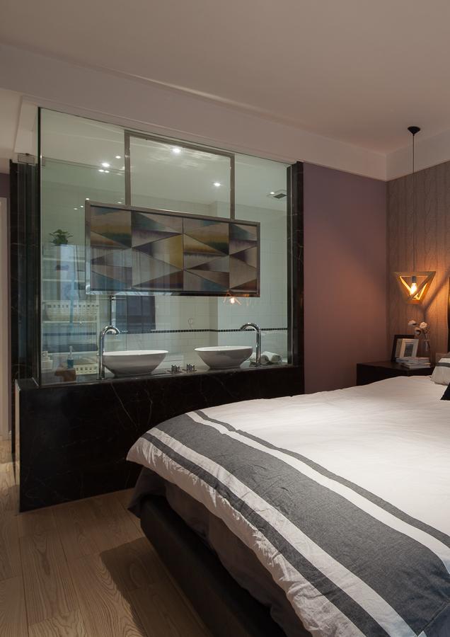 大平层现代卧室装修效果图